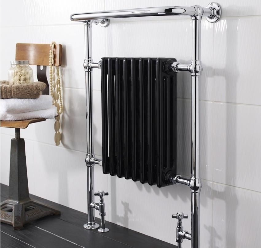 Водный полотенцесушитель из нержавеющей стали, совмещенный с радиатором является новаторским решением для ванной комнаты