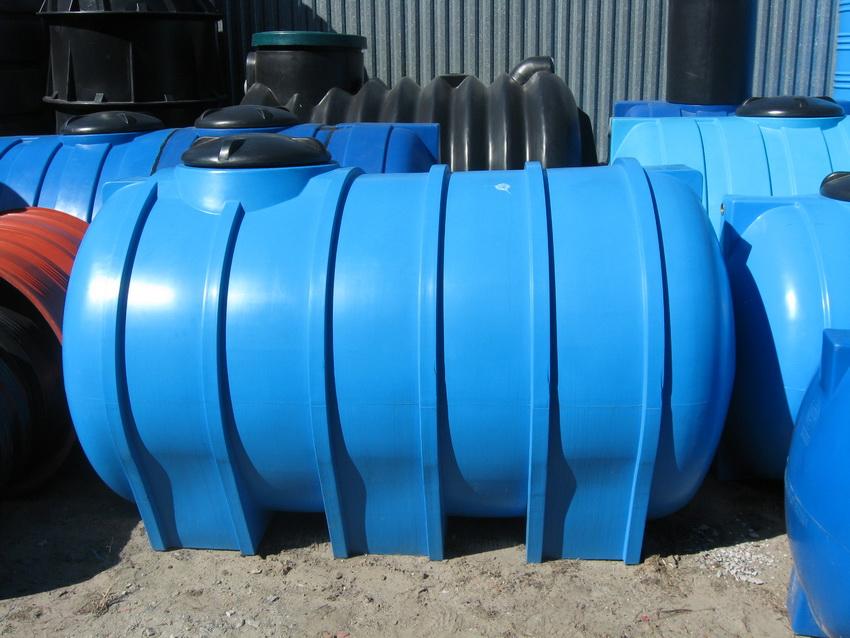 Емкости для канализации из пластика полностью герметичны и долговечны
