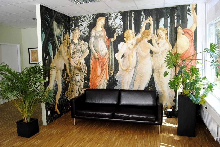 Фрески все чаще используются как в частных домах, так и в небольших квартирах