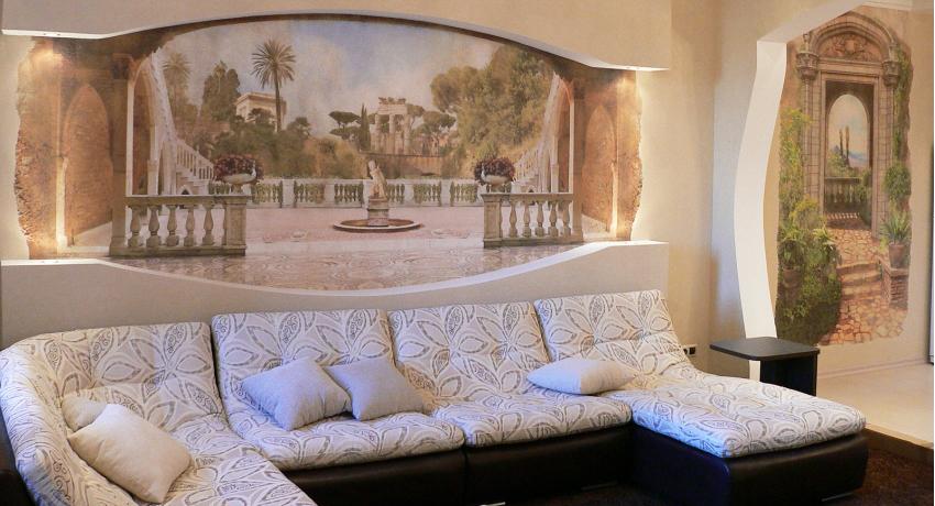 Использование фресок позволяет красиво отделать стены и привнести уют в интерьер дома