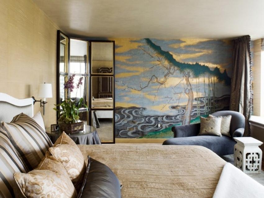 Для того чтобы эффектно подчеркнуть акцентную стену можно использовать обои под фреску