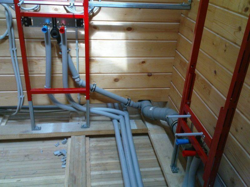 Как правильно сделать в деревянном доме канализацию
