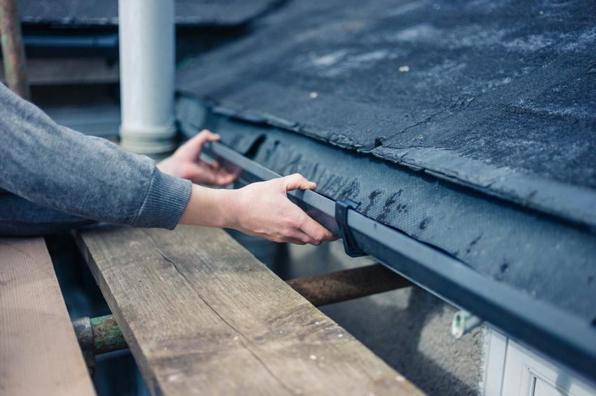 Во время проведения всех этапов установки водостока следует придерживаться рекомендаций производителя
