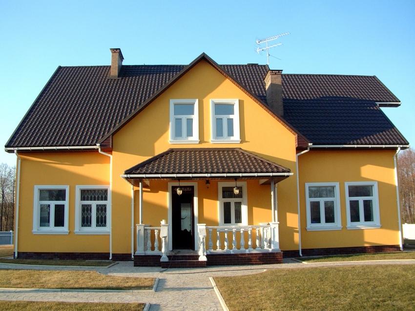 Фактурная штукатурка «короед» является одним из самых популярных способов отделки фасада здания