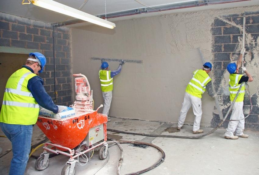 Процесс механизированного способа нанесения штукатурки на стены