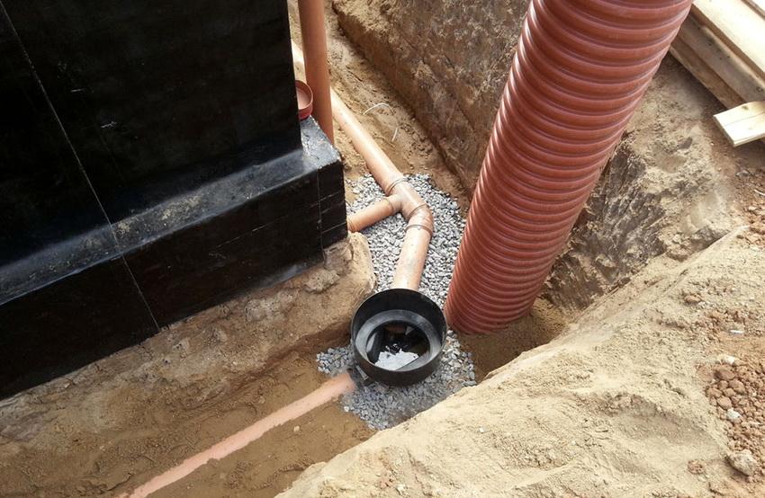 Прокладка наружной ливневой канализации