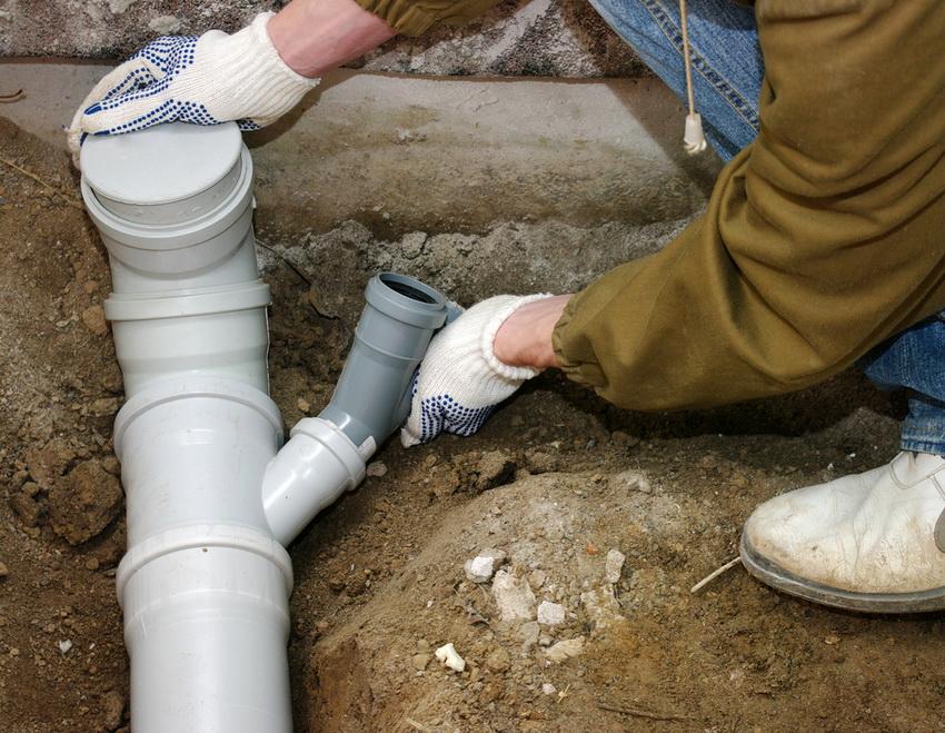 ПВХ трубы для канализации имеют очень высокий запас прочности и не подвержены воздействию агрессивной среды