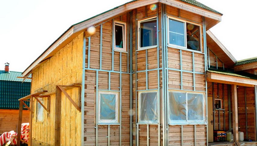 Каркасное утепление деревянного дома из бруса