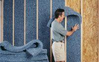 При утеплении мансарды стоит обратить внимание не только на потолок, но и на стены