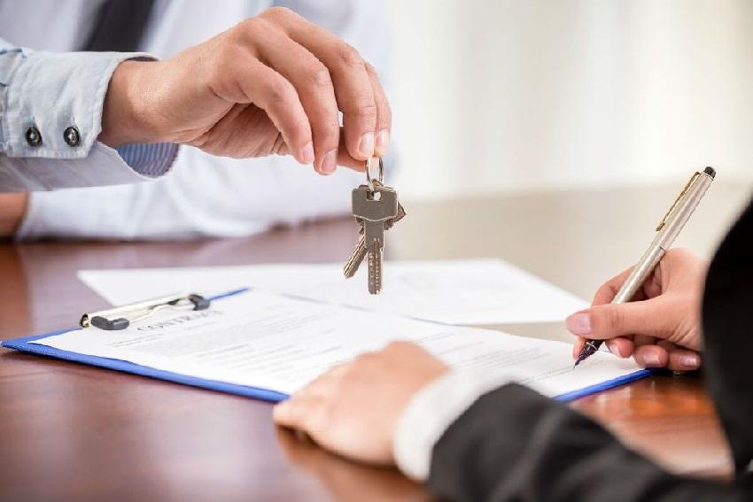 Банк предоставляет кредит на строительство дома несколькими траншами