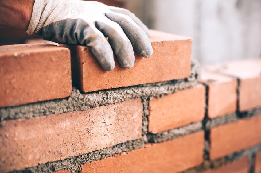 Кредит предоставляется частями, что позволяет осуществлять поэтапную оплату за строительные работы