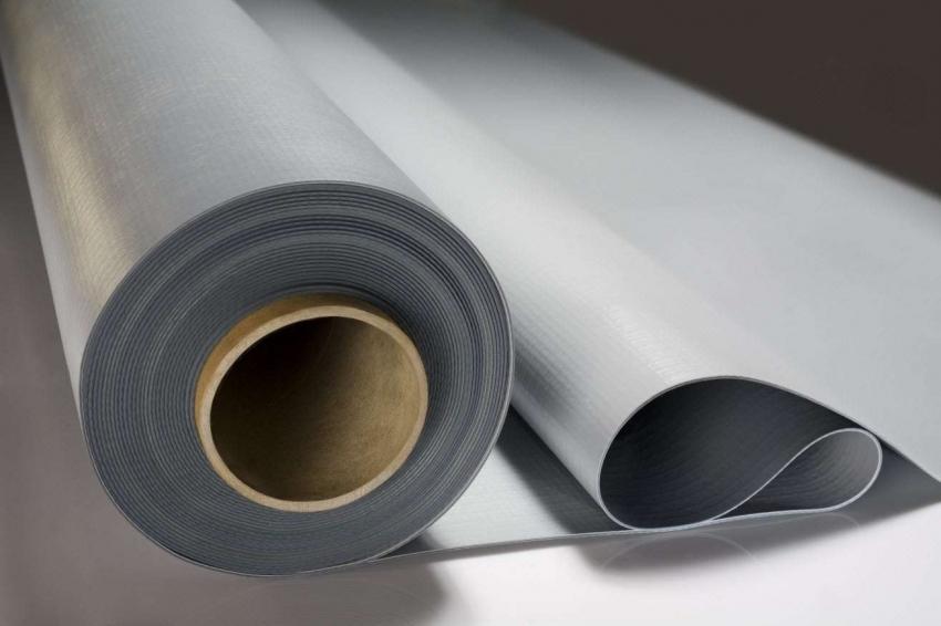 Рулонная гидроизоляция из полиэстеровой и стекловолоконной ткани зачастую используется для отделки больших помещений