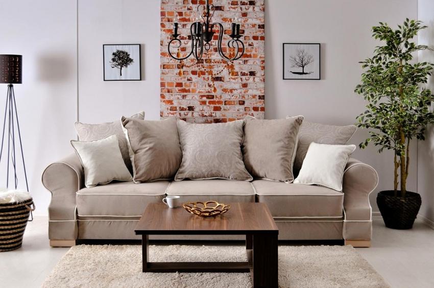 Обои с имитацией кирпичной кладки можно использовать в комбинации с полотнами белого или нейтрального оттенка