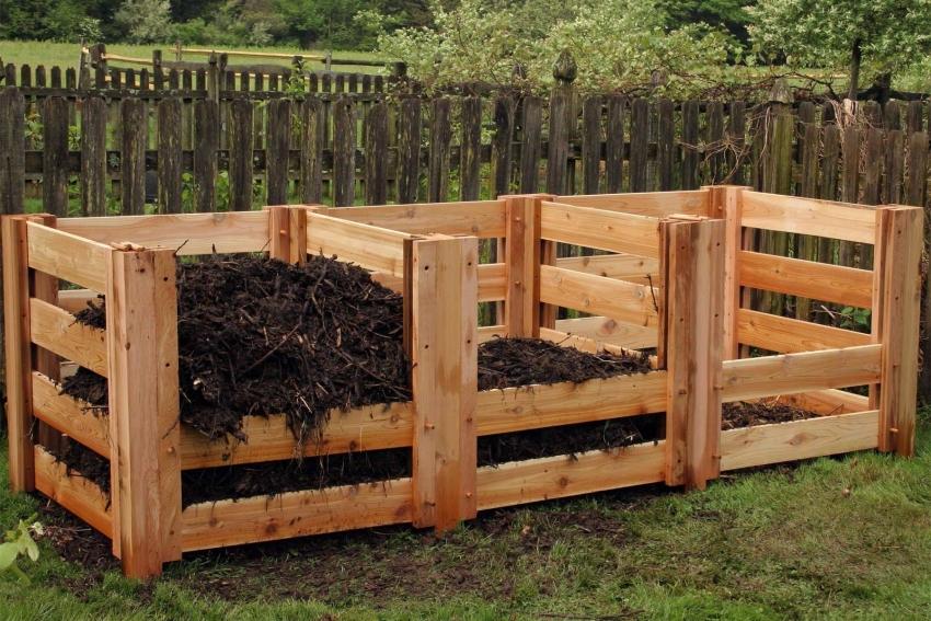 В случае использования деревянных элементов для строительства компостера, материал необходимо обработать специальными защитными средствами для древесины