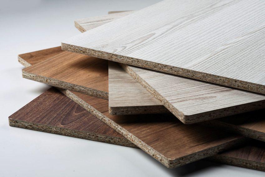 В зависимости от качества и сорта, древесные плиты могут использоваться для черновых или отделочных работ