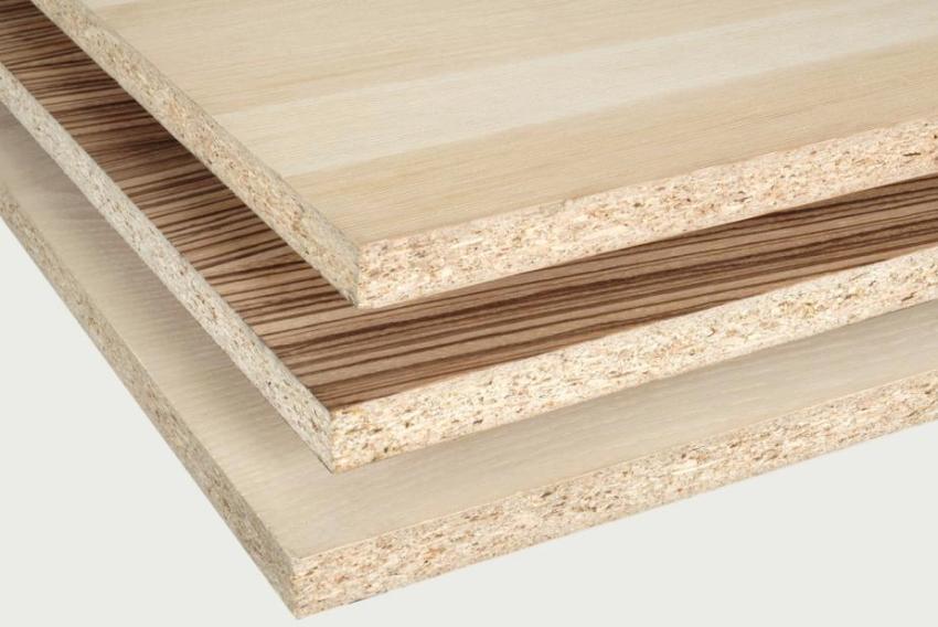 Поверхность ламинированной древесностружечной плиты может имитировать натуральное дерево