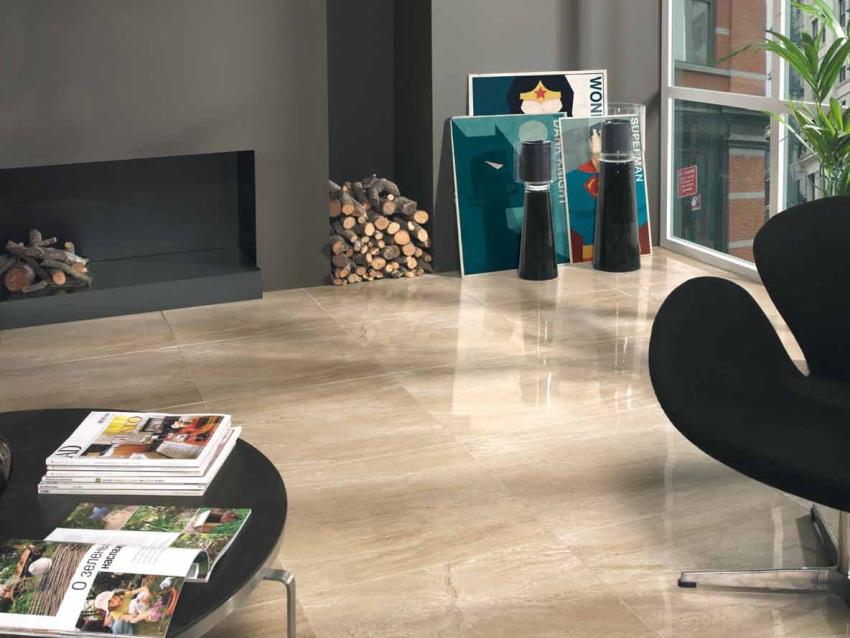 Керамическая глазурованная плитка под светлое дерево - идеальное решение для гостиной