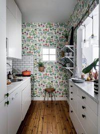 Яркие цветные обои для кухни