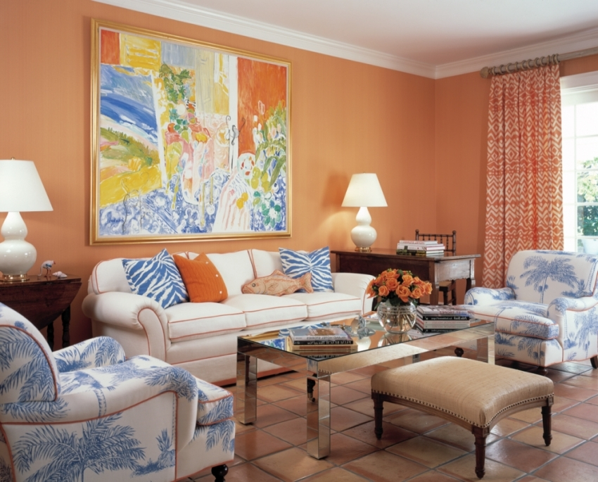 Фактурные обои под покраску имеют плотную и интересную структуру, что позволяет не только стильно отделать стены, но и надежно защитить стены от влаги