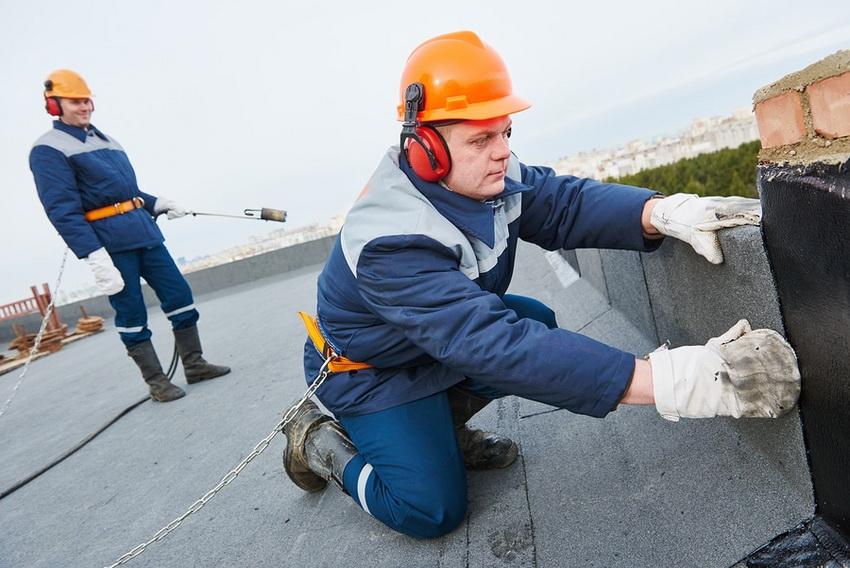 Гидроизоляция плоской крыши - важнейший этап в кровельных работах