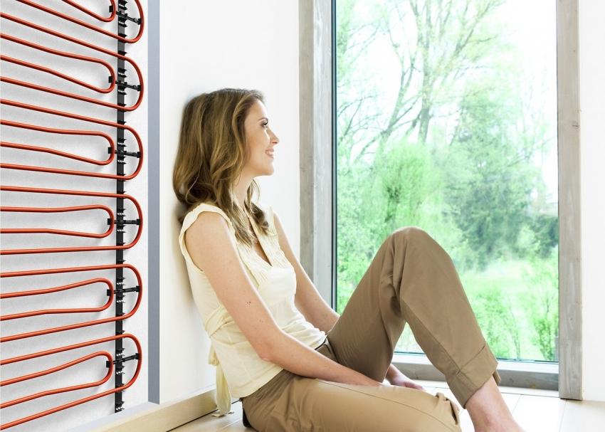 Преимуществом системы электрического теплого пола под плитку является возможность ее монтажа как на пол, так и на стены