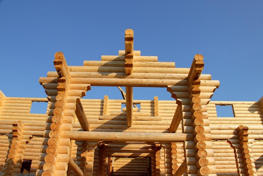 Для возведения двухэтажной бани сложной архитектуры лучше воспользоватся услугами специалистов