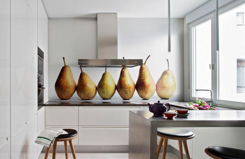 Экраны с фотопечатью способны внести особый шарм в интерьер кухни