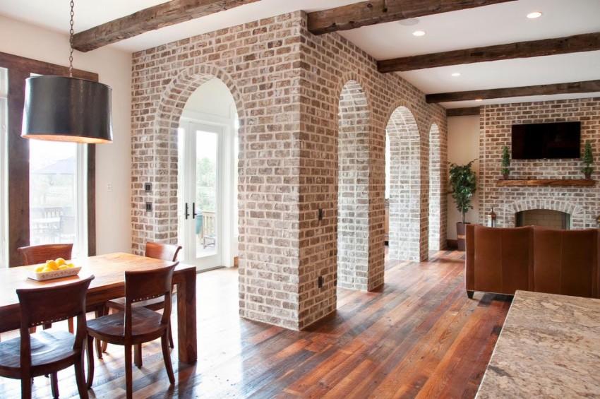 Стены, на которые производится укладка материала, должны быть максимально сухими