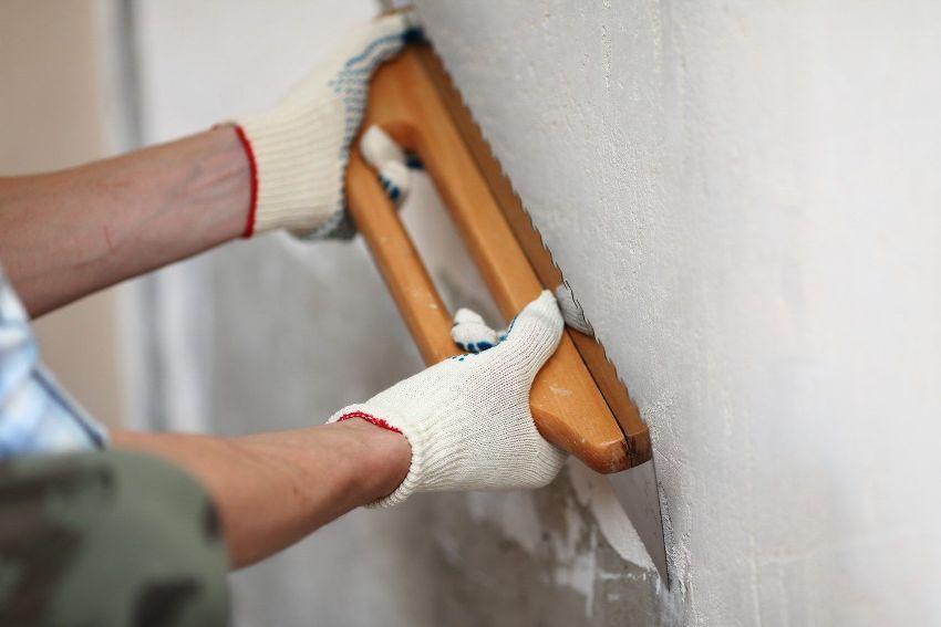 Выравнивание стены перед укладкой плитки