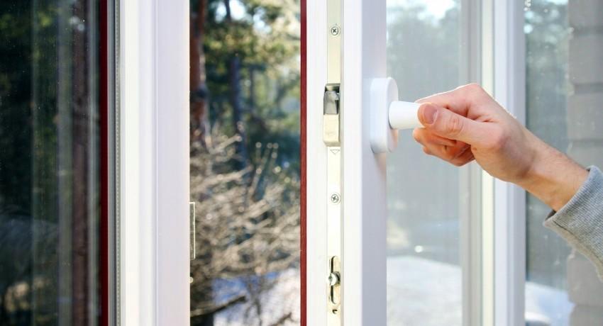 Режим регулировки прилегания створок присутствует не на всех металлопластиковых окнах