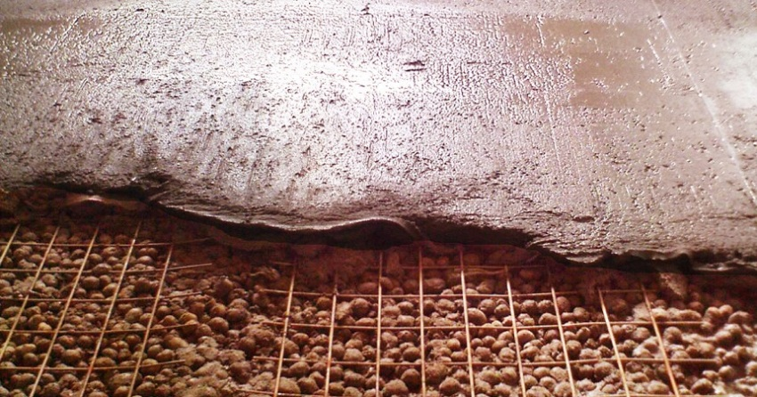 Утепление пола керамзитом происходит по специальной технологии