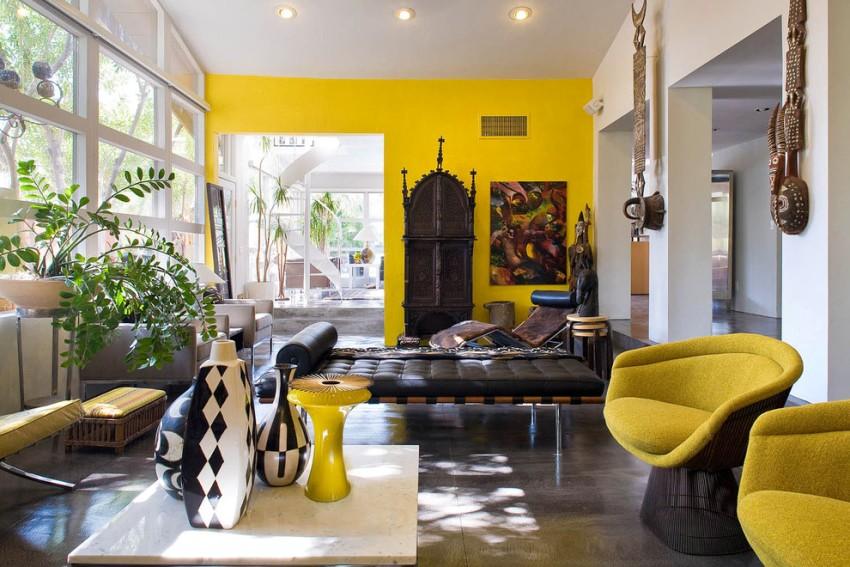Отличный вариант оформления стен дома обоями под покраску