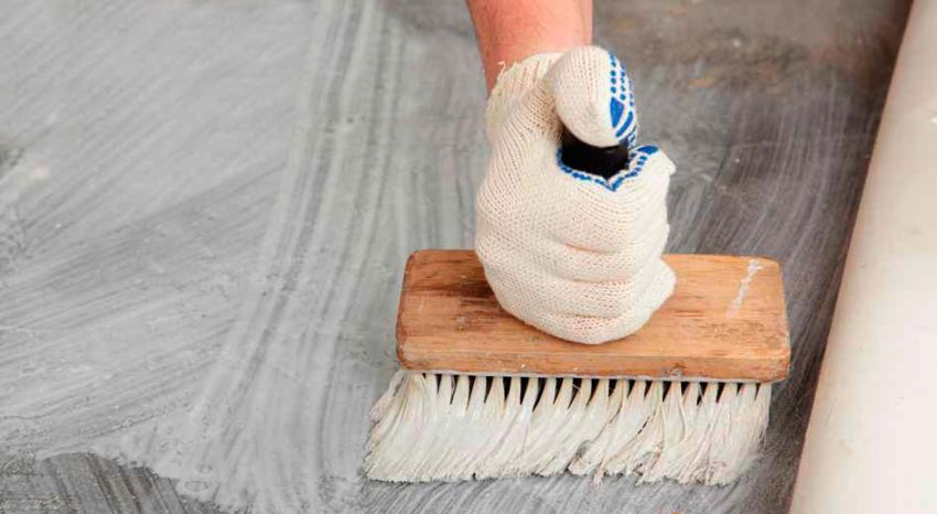 Важно правильно подобрать клеевой состав для проклейки линолеума на бетонный пол
