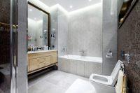 Грамотно используя все многообразие цветов и форм керамической плитки, можно создать любой дизайн ванной комнаты
