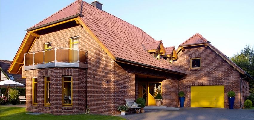 Клинкерный кирпич в качестве облицовки здания имеет длительный срок эксплуатации