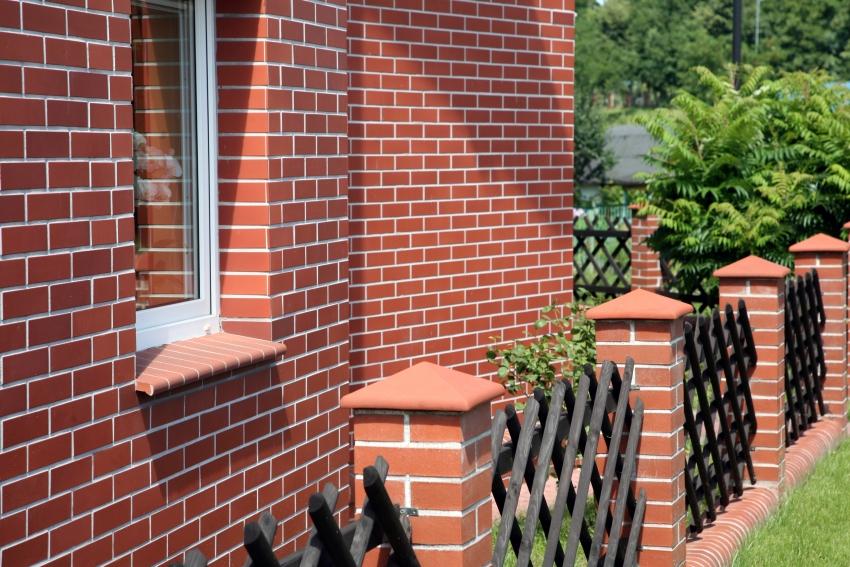 Наиболее популярной линейкой клинкера для облицовки частных домов является коллекция Miraz