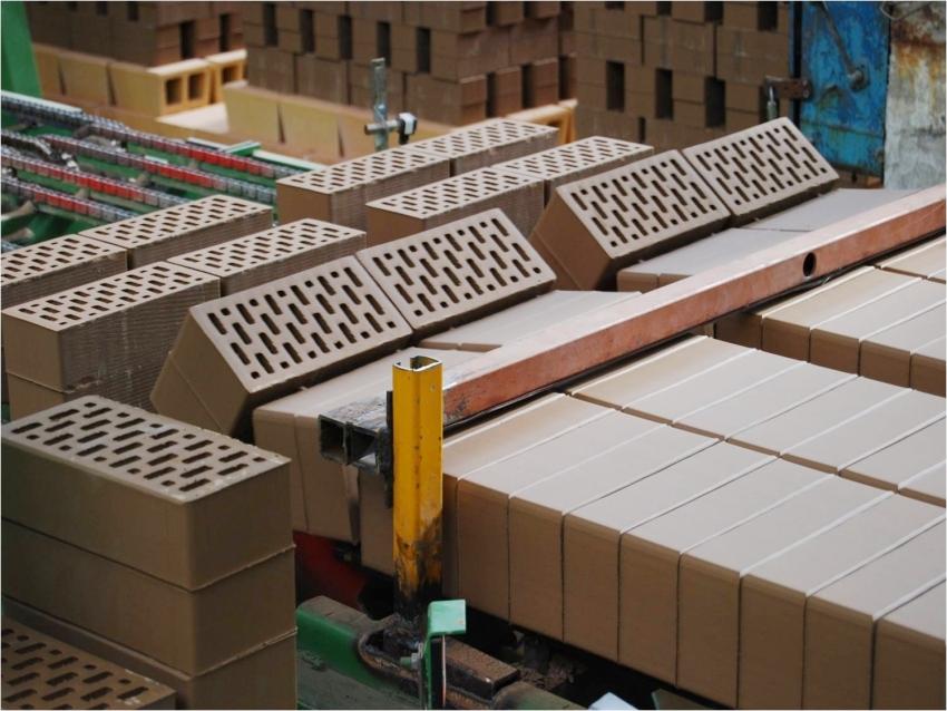 Современное производство клинкера позволяет выпускать высококачественный кирпич и плитку с четкими геометрическими размерами
