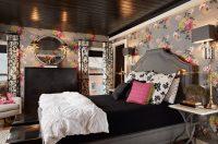 Выбор цвета обоев для отделки спальной комнаты должен соответствовать темпераменту хозяина