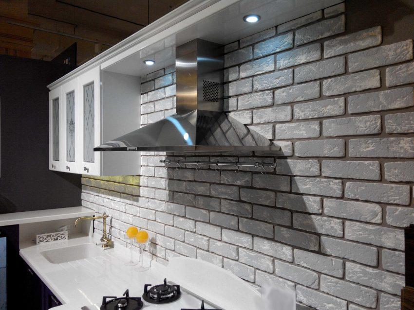 Облицовочная плитка под кирпич на кухне