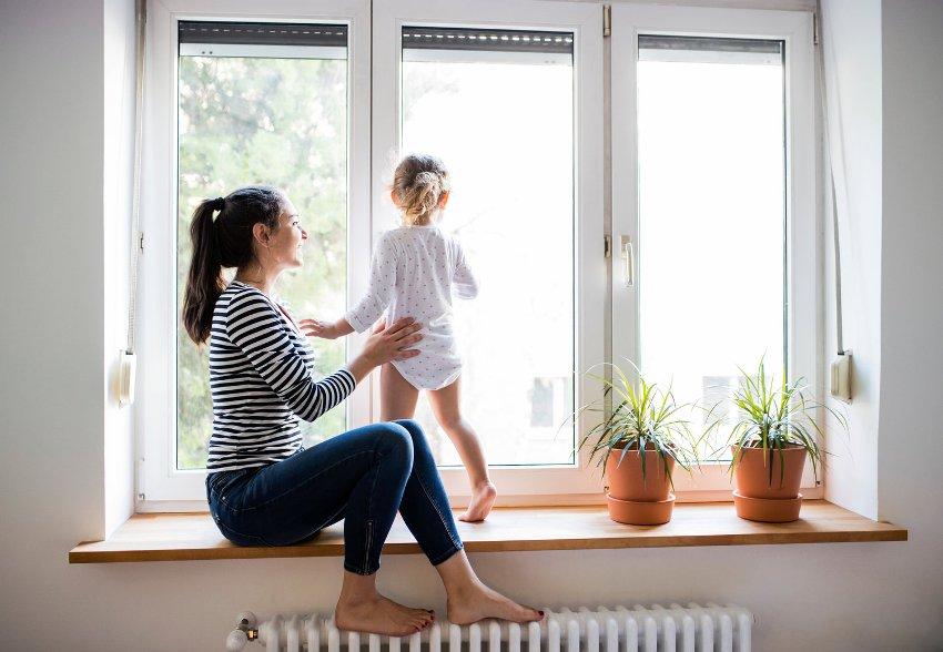 Образование конденсата на окнах увеличивается в процессе активной жизнедеятельности человека