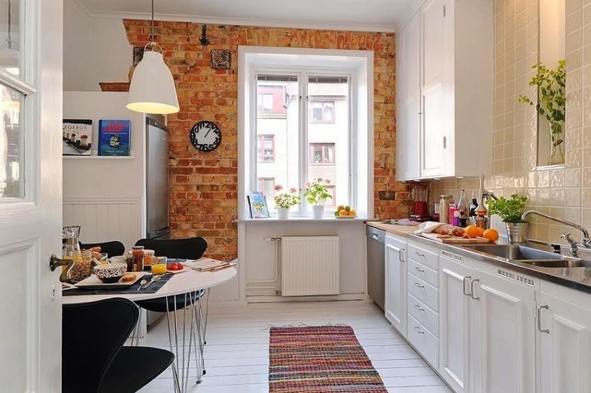 Вариант использования кирпичной кладки в оформлении кухни