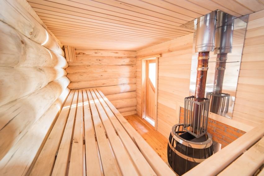 Внутренняя отделка банного помещения должна быть максимально экологичной и не выделять вредных веществ при нагревании