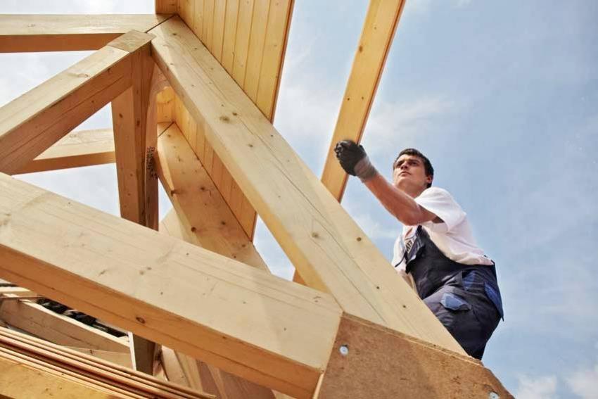 Тип крыши необходимо выбирать исходя из характеристик здания и фундамента
