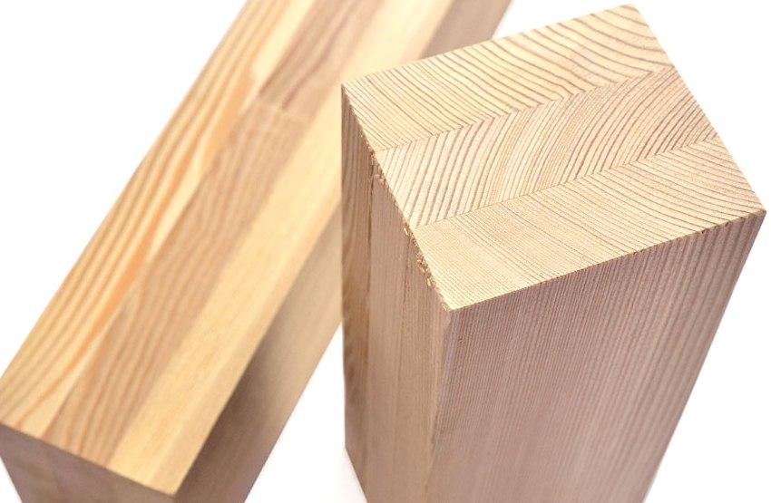 Клееный брус является одним из самых популярных материалов для строительства дома