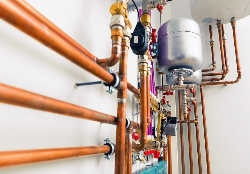 При использовании отопительной системы закрытого типа необходимо контролировать уровень теплоносителя