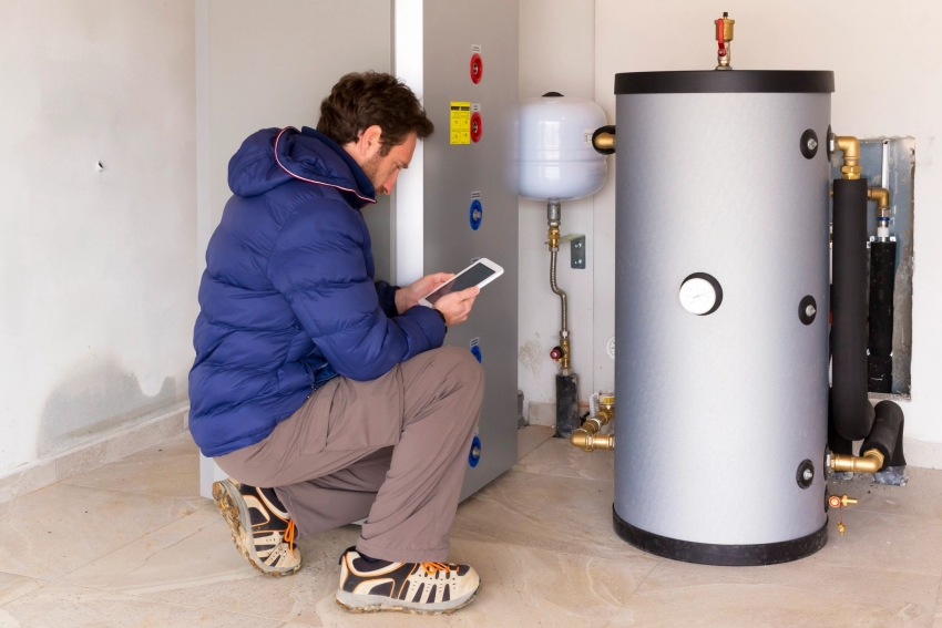 Согласно правилам коммерческого учета тепловой энергии теплоносителя, допуск в эксплуатацию узлов учета осуществляется представителем энергоснабжающей организации