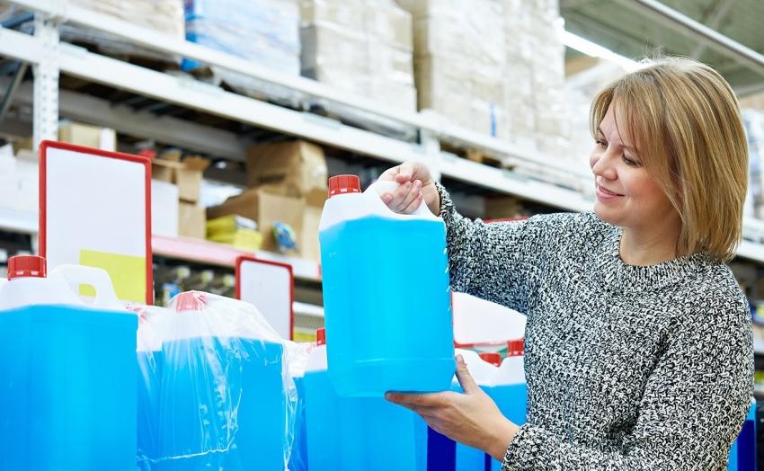 Лучшим вариантом для заполнения системы отопления является использование безопасного теплоносителя на основе пропиленгликоля