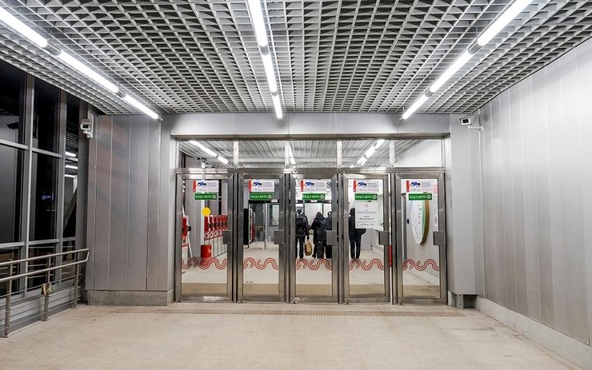 Для дверных проемов торговых, офисных, производственных, складских, общественных помещений используются мощные промышленные тепловые завесы