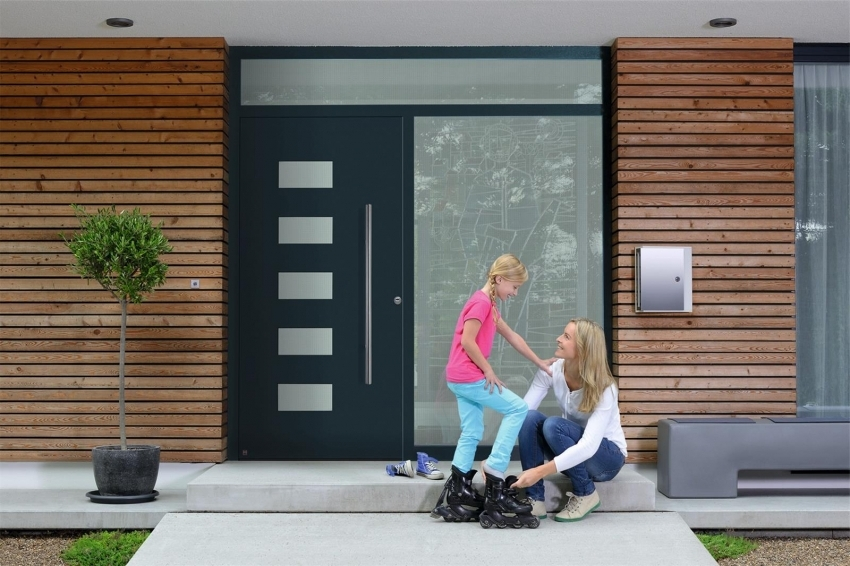 При покупке двери с терморазрывом следует проверить сертификаты качества а также наличия гарантии у производителя