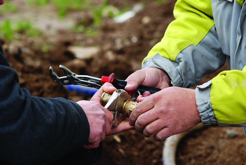 Для водопроводной системы используются трубы, изготовленные из полиэтилена или металлопластика